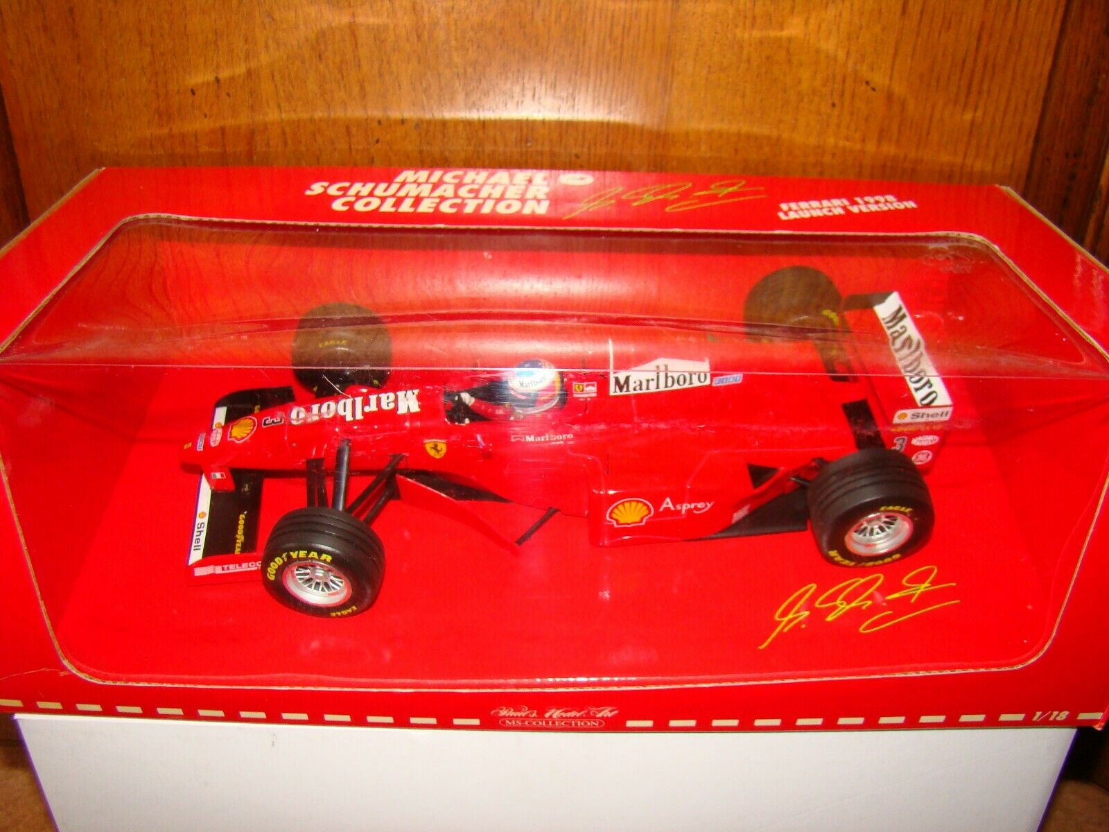 FERRARI   M.SCHUMACHER MINICHAMPS LAUNCH VERSION 1998 1 18 EME  SUPERBE  ET RARE