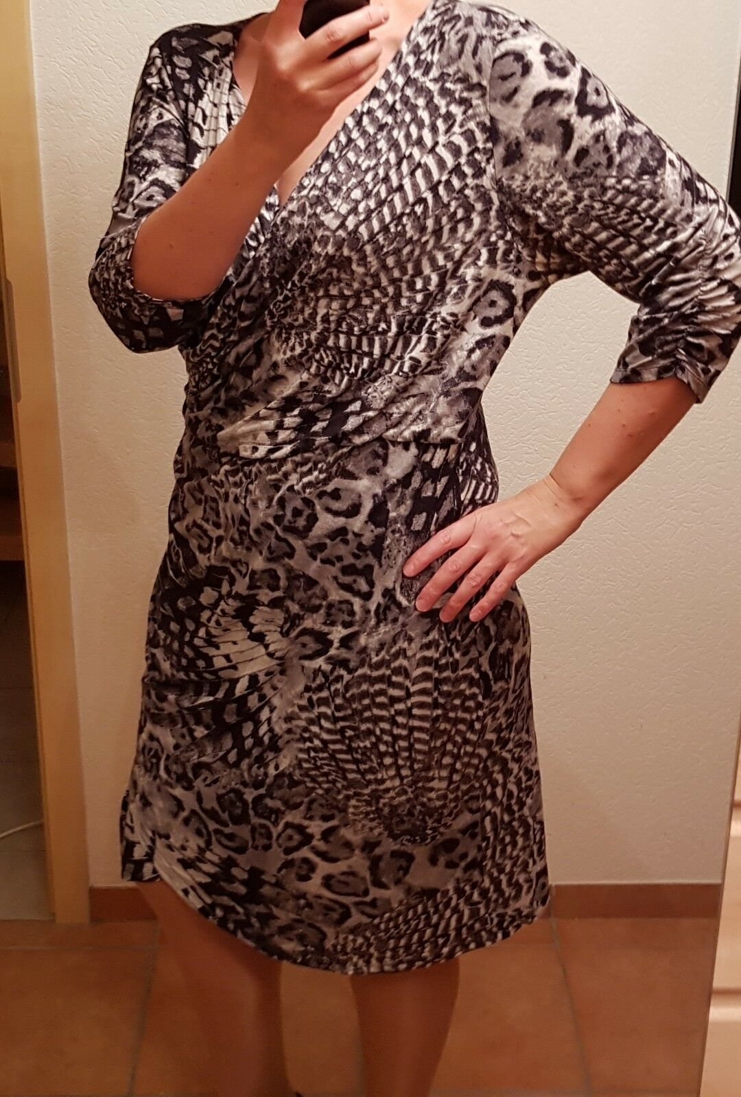 Wunderschönes Kleid Damenkleid Airfield Gr 46 46 46 Farbe schwarz-grau 92% Viskose neu aeb62e