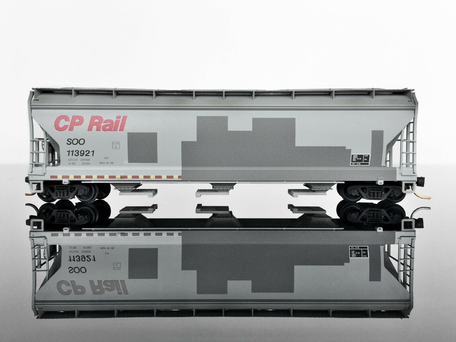 MTL Micro-Trains 09454091 3-Bay Covered Hopper WEATHERED Graffiti SOO CP Rail