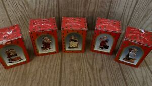 Brinn's Santa Claus Figurines Set Of 5. Handcrafted & Hand painted