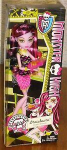 Monster High Creepateria Draculaura Doll Food Fright