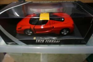 1-18-Hot-Wheels-Elite-Ferrari-Enzo-red-with-yellow-roof