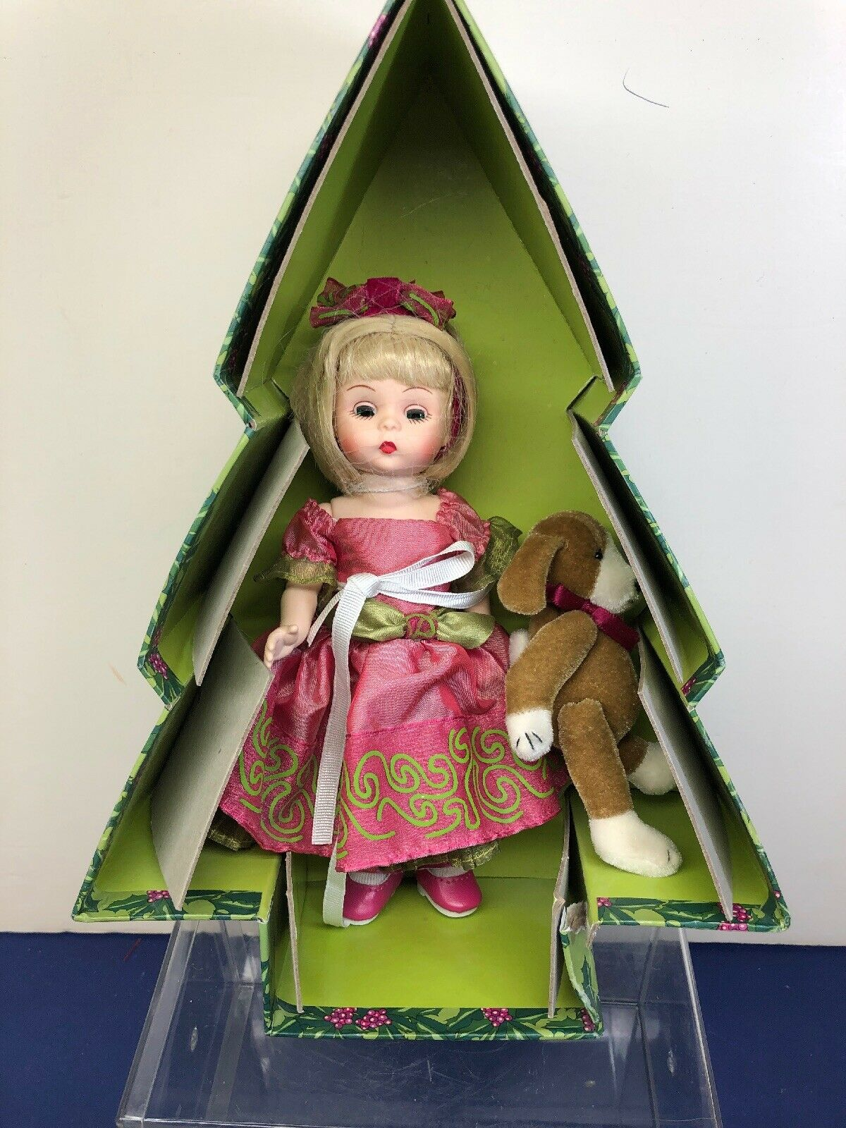 """8"""" Madame Alexander Doll """"Wreath Of Holiday Wishes"""" Christmas Tree With Box"""