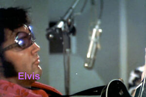 ELVIS-PRESLEY-REHEARSAL-THAT-IS-THE-WAY-IT-IS-L-A-JULY-1970-PHOTO-CANDID-2