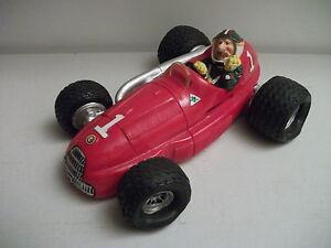 Alfa Romeo 158-159 (1950) Tirelire en résine Fantasy (sans boîte) au 1/18 (1990)