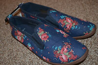 Primark Blue Flowers Canvas Flats Pumps Plimsoll Sneakers Tennis Shoes