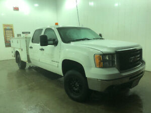 2008 gmc 3500 pick up truck srw service truck box 4x4  MINT