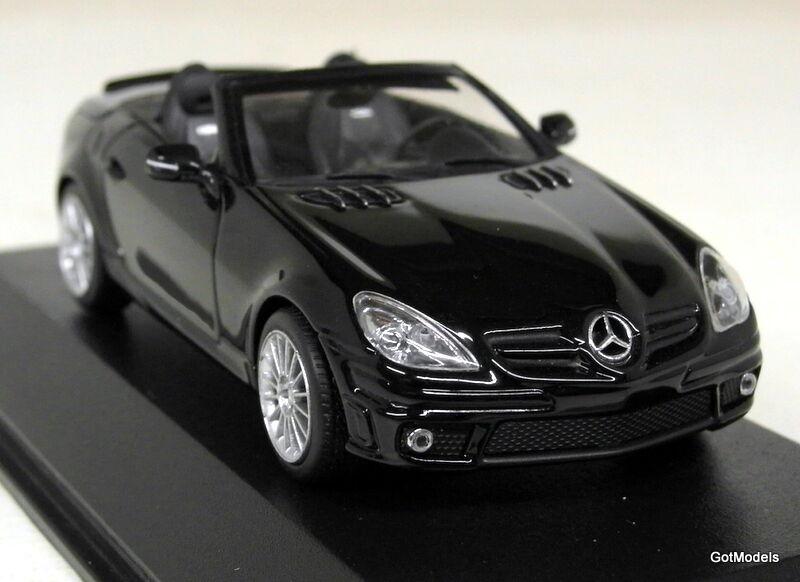 Minichamps  - 400 033171 Mercedes Benz SLK AMG (R171) NERO MODELLO DIECAST