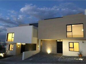 Se Vende Casa en Punta Esmeralda, 4ta Recamara en PB, Jardín, Roof Garden, Lujo