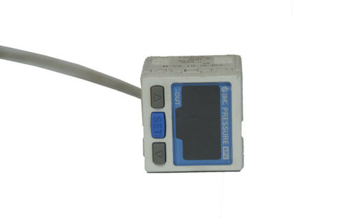 SMC ZSE30-01-65-M Digital Pressure Switch Drucksensor