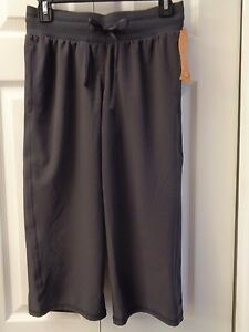 16190404253f NWT C9 by Champion Semi Fitted Low Rise Woven Capris Capri Yoga ...