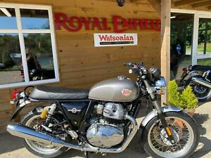 Royal-Enfield-Interceptor-silver-LAST-ONE-LEFT