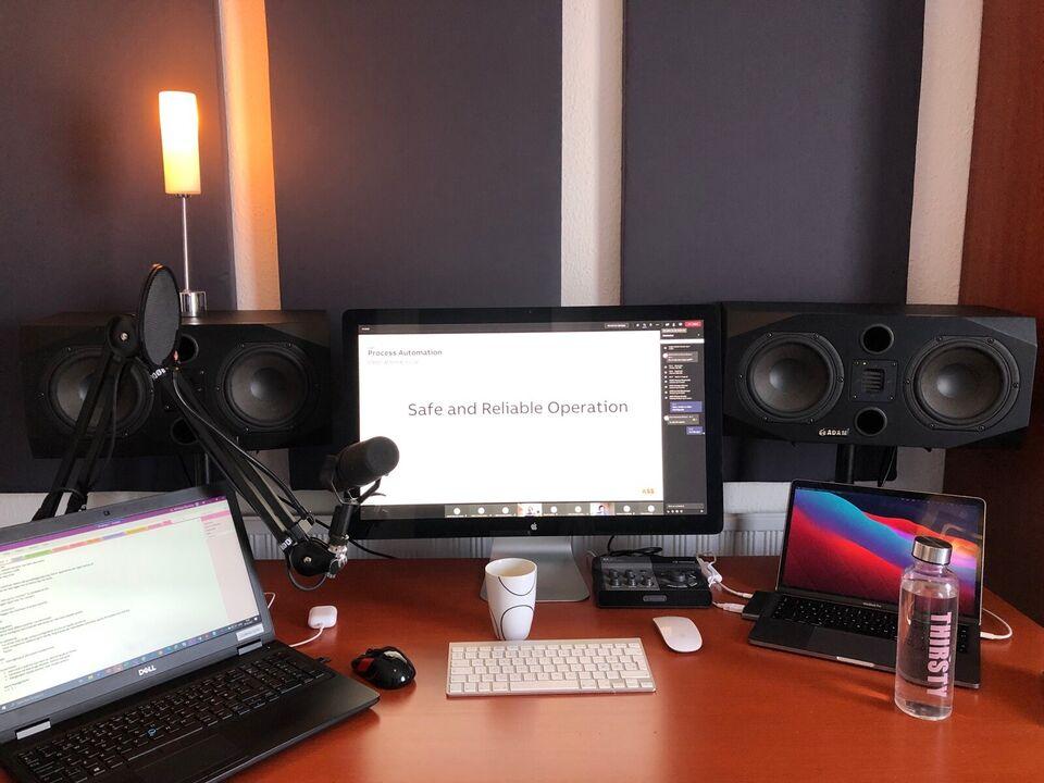 Stude monitor, Adam P33A