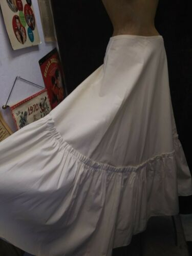 Vintage 1950's White Cotton Petticoat Skirt By Tac