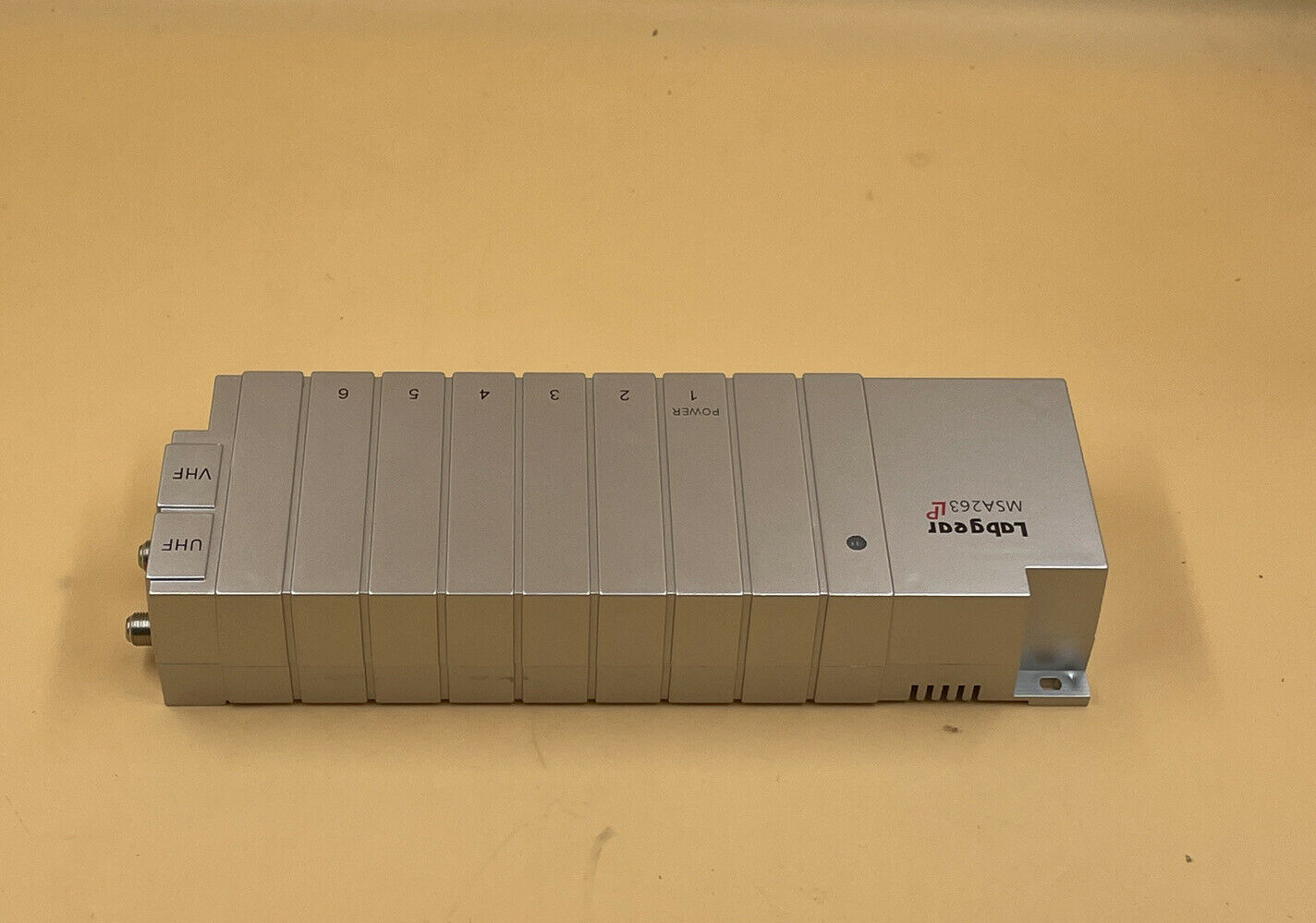 LABGEAR DISTRIBUTION AMPLIFIER WITH REMOTE POWER MSA263LP - OPENED NEVER USED