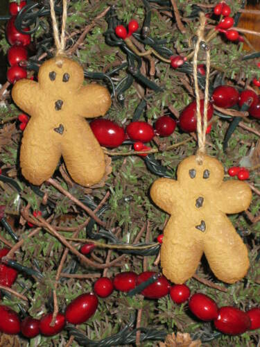 "2 HANGING MINI 2 1//2 /"" GINGERBREAD RESIN COOKIE tree ornaments BOWL ORNIE hg"