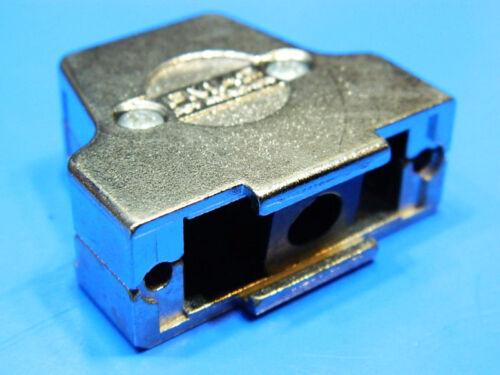 Calotta metallica schermata per connettore DB15 poli