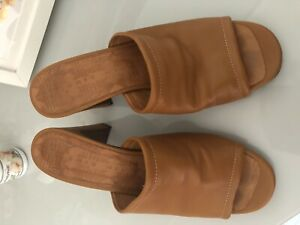Gorgeous-Buttery-Soft-Leather-Chie-Mihara-Tan-Mules-Size-39-6