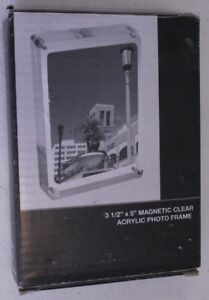 3-1-2-034-x-5-034-Magnetic-Clear-Acrylic-Photo-Frame