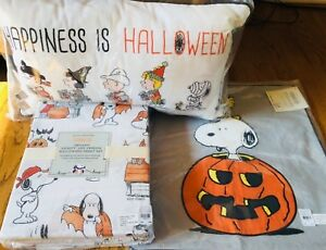 Pottery-Barn-Kids-Snoopy-Sheet-Set-Full-Happiness-Is-Halloween-Pillow-Peanuts