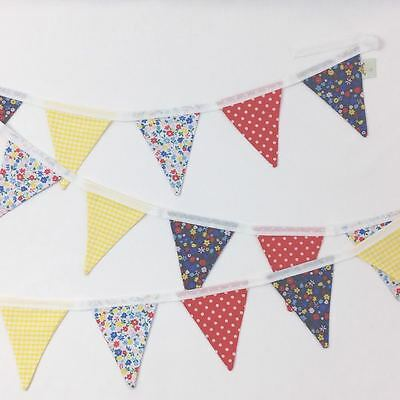 RED STAR FABRIC BUNTING ~ PLAYHOUSE//BEDROOM ~ 2 METRES