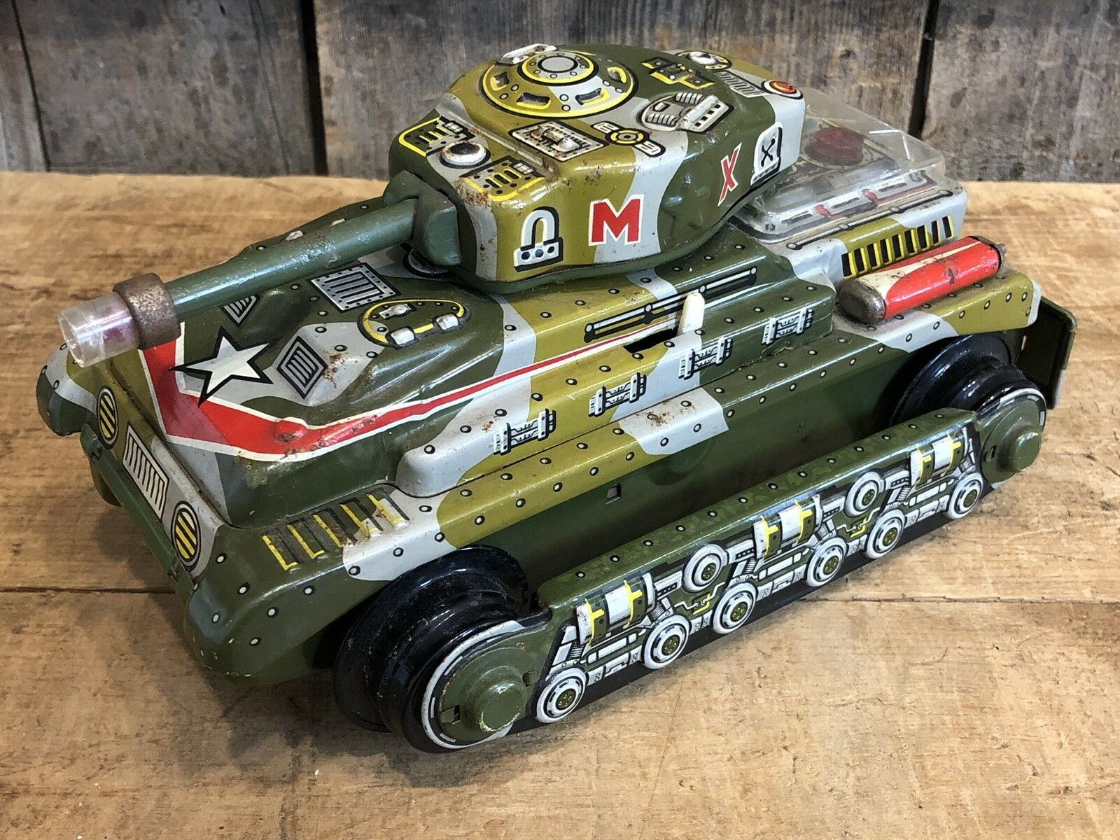 Vintage Original Trade Mark TN Made in Japan Tin Litho Tank Toy Battery Opererat