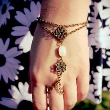 Hot Bronze Bracelet Bangle Slave Chain Link Interweave Finger Ring Hand Harness