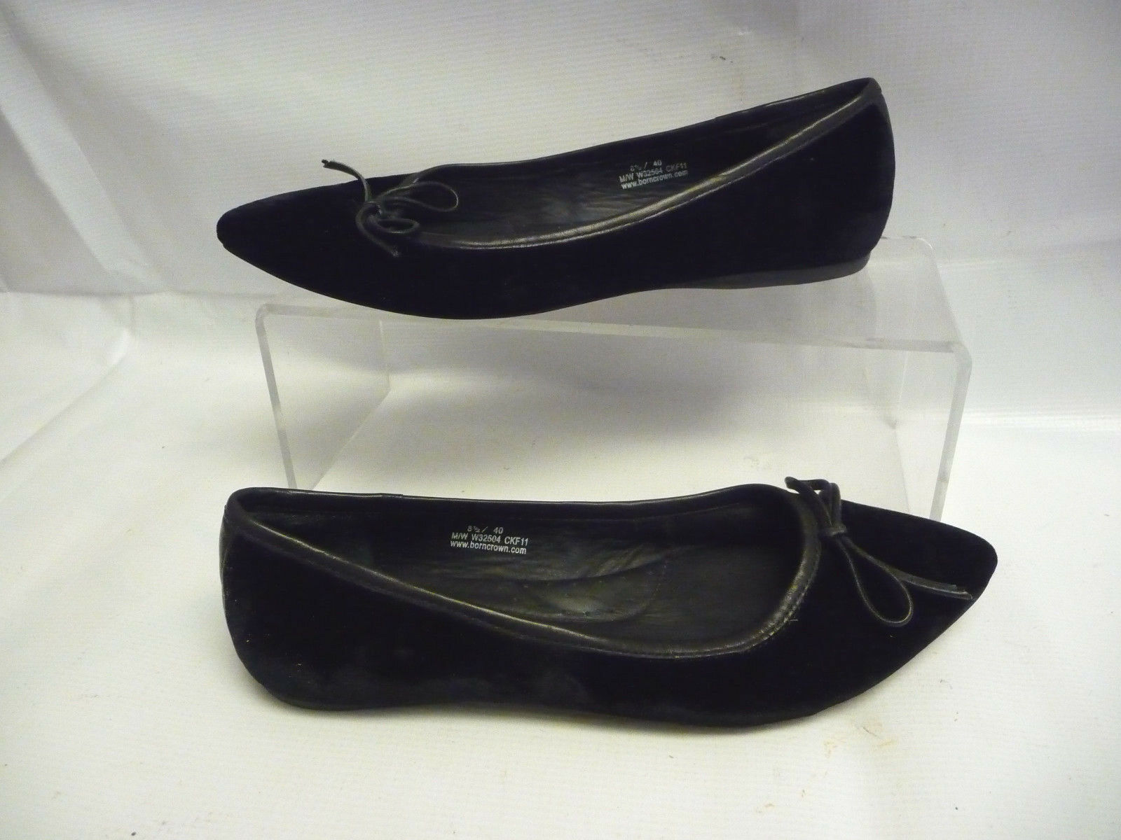 BORN CROWN Womens Flats Size 8.5 40 Black Suede Bow Leather Bow Suede Arch Support 866766