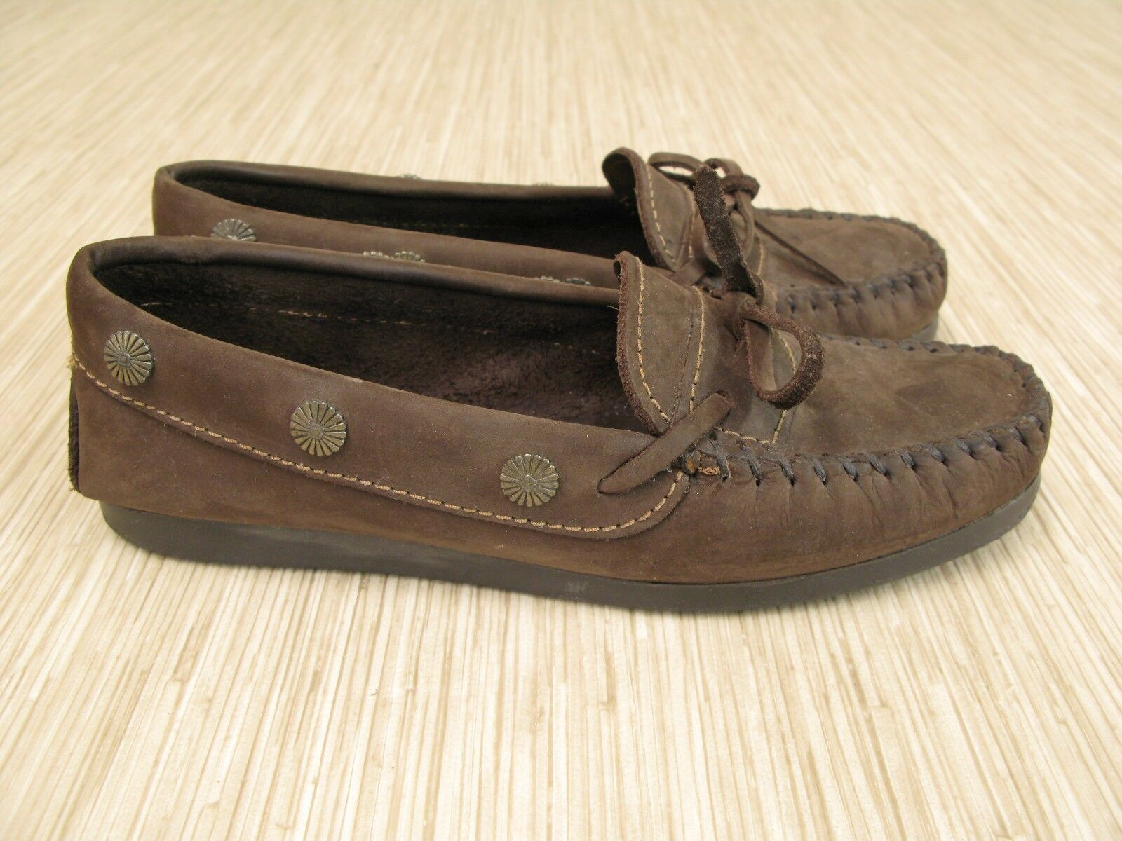 Minnetonka Moccasins Dark Brown Leather shoes Women's Size US 7 Casual Slip On