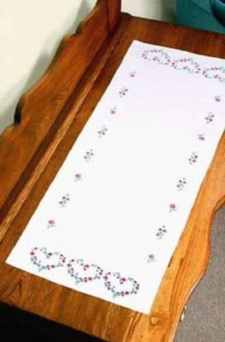 """Stamped Embroidery Kit ROSE HEARTS DRESSER SCARF; 14/"""" x 39/""""s"""
