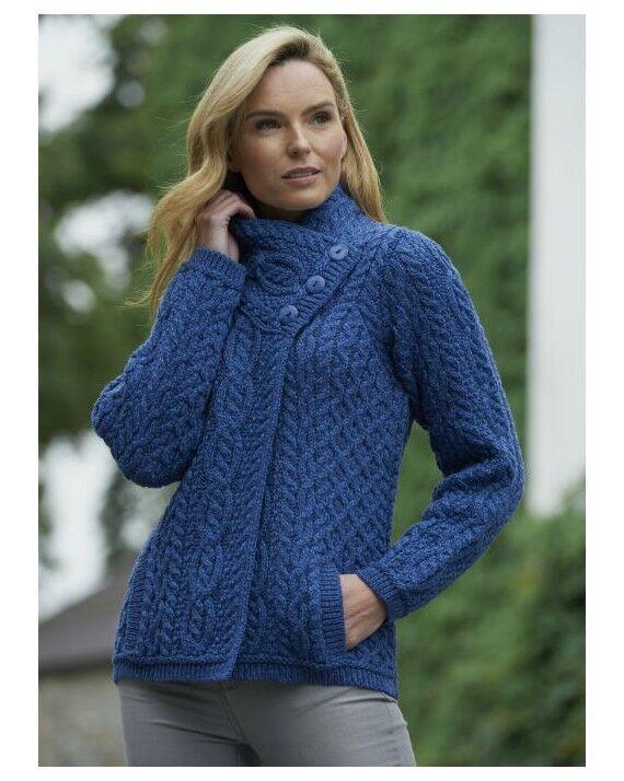 Blau Femme Aran Trois Bouton Cardigan x4458-Made in Ireland