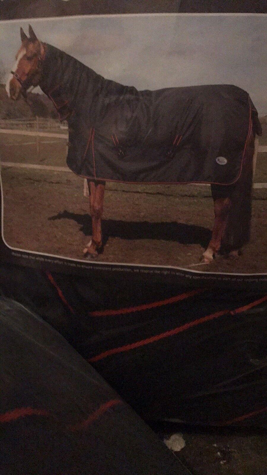 6ft 6 heavyweight horse rug