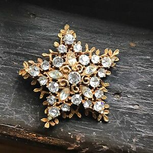 Vintage-Star-Rhinestone-Brooch-Pin-CORO-Goldtone-Signed