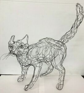 Wire-Sculpture-cat-By-Elizabeth-Berrien-034-scaredy-cat-034-18-034-x-18-034-1980s