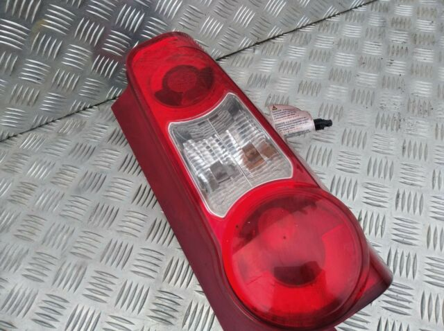 7 04//08-02//12 Heckleuchte Rückleuchte Rücklicht rechts Citroen Berlingo