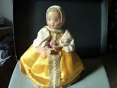 Accurato Antica Bambola Russa-mostra Il Titolo Originale Elevato Standard Di Qualità E Igiene