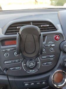 Black-CD-Slot-Mobile-Phone-Holder-for-In-Car-Universal-Stand-Cradle-Mount-UK