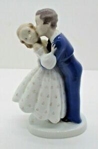 Bing & Grondahl B&G Copenhagen Porcelain Kissing / Courting Couple #2162 Denmark