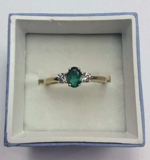 14K REAL YELLOW gold Women's Natural Emerald & .20ct Diamond RING SZ 7   2.5g