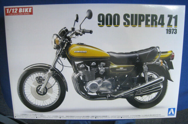Kawasaki 900 Super 4 Z1 1973  Bausatz  Aoshima  Maßstab 1:12  OVP  NEU