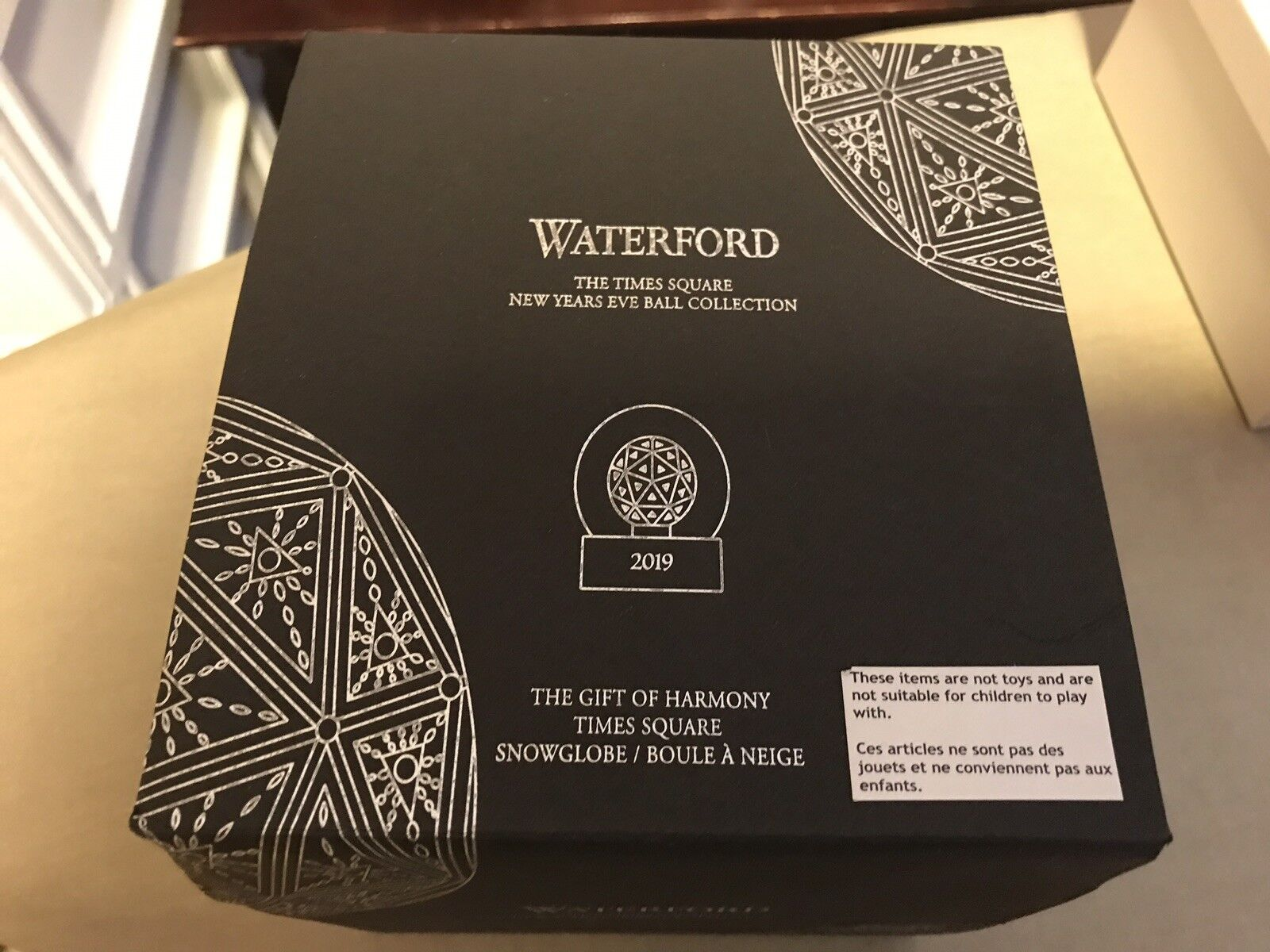 Waterford Crystal 2019 2019 2019 Times Square Snowglobe This Could Be The Last One. 1355b4