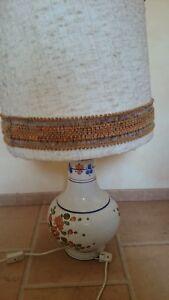 Schoene-aeltere-ca-80-cm-Hohe-Lampe-mit-bemaltem-Keramik-Koerper