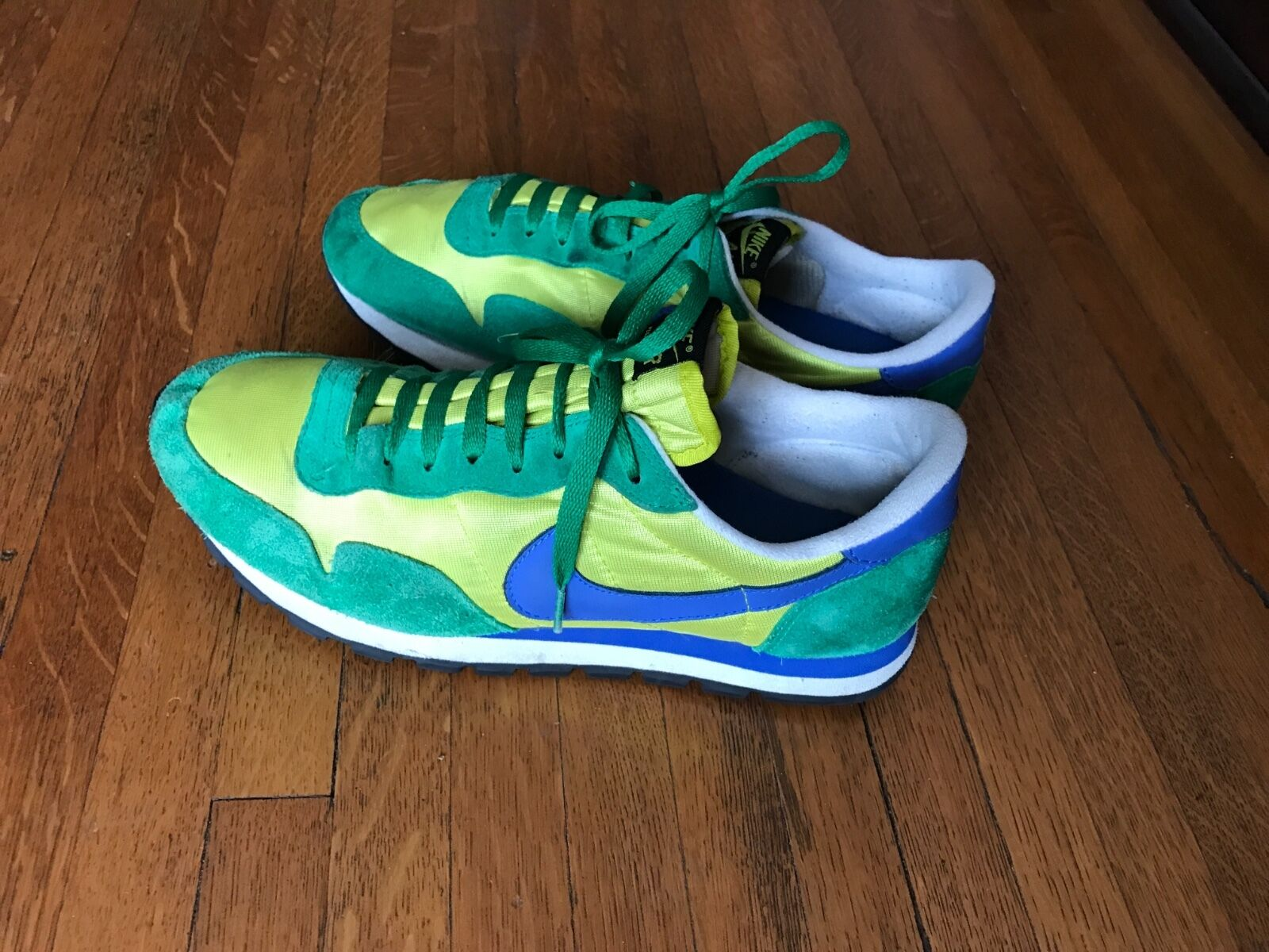 Brand discount NIKE Retro Mens Shoes 10.5 Green and Blue