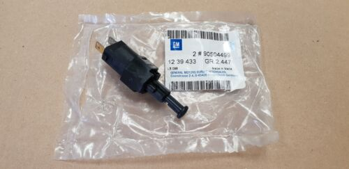 Genuine Vauxhall Brake Light Switch Various Models 90504499