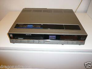 Sony-SL-F30-Betamax-Videorecorder-DEFEKT-Kassette-stoppt-nach-einer-Sekunde