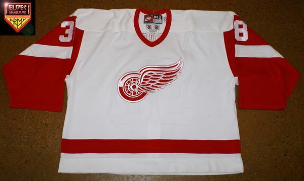 Detroit Red Wings * 98/99 * No. 38 * Norm Maracle * white/home/2nd set (3 games)