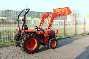 kubota l3200 traktor kleintraktor mit frontlader gebraucht. Black Bedroom Furniture Sets. Home Design Ideas