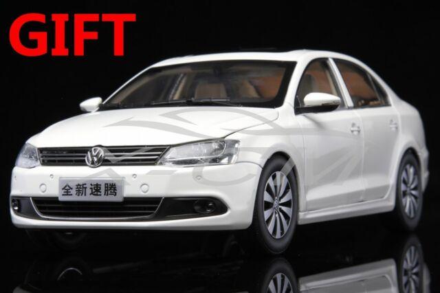 Car Model 1:18 New Volkswagen Sagitar (White) + SMALL GIFT!!!!!!!