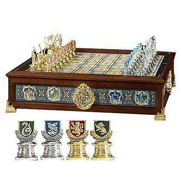 HARRY POTTER QUIDDITCH chess-game Schach by Noble Collection
