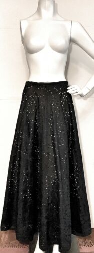 Saks Fifth Ave FOLIO COLLECTION Sz8 SKIRT BLK LINE